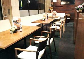 テーブル席(2)